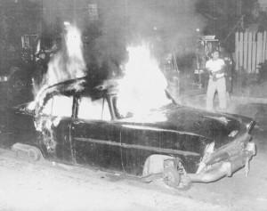 Manifestants et soldats de la Garde nationale lors des émeutes de 1967. Crédits : Donna Gialanella / The Star-Ledger