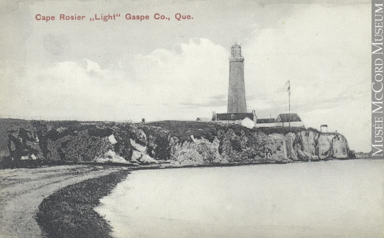 Phare Cap-des-Rosiers, Gaspésie. Crédits : Musée McCord